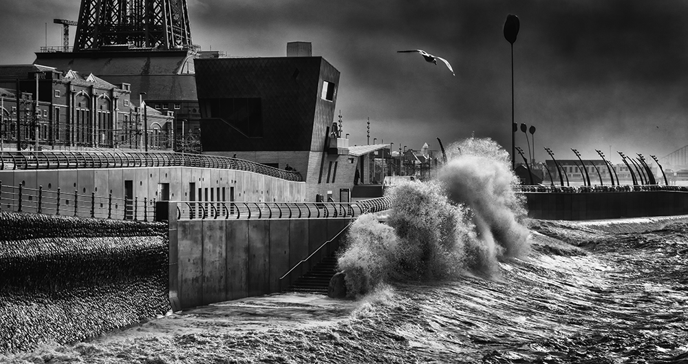 Bad weather in Blackpool. Sony RX10.