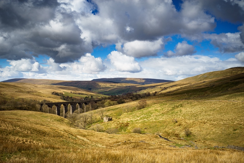 """Dent Viaduct in the Yorkshire Dales. Rare perfect conditions for Landscape Photography. Sony A7r + Canon 24-70mm lens. ISO100, f/16.0, 1/60"""", Tripod and 0.3 ND Grad filter."""