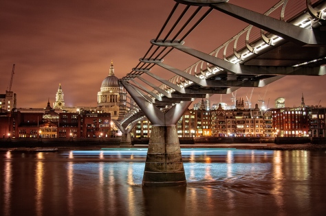 """London by night. Canon 400D, ISO200, 8"""" at f/6.3"""