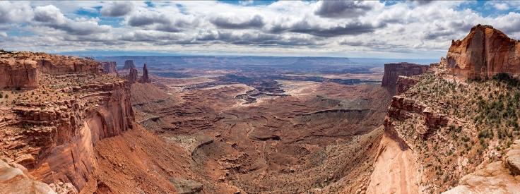 Views at Mesa Arch, Canyonlands National Park, Utah, USA